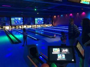BLOG - Jennifer & family bowling