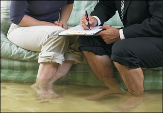 how to become a property adjuster